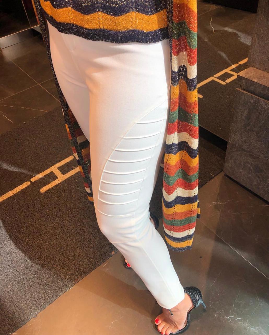 Calça Morina Skinny Tecido Ami Com Nervuras 5% ELASTANO Cores Marinho, Preto, Terra Cota e Off