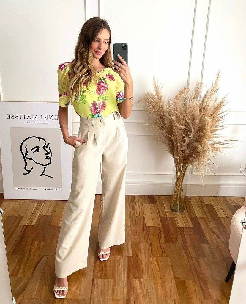 Calça Luciana Linho Pantalona Detalhe Pregas