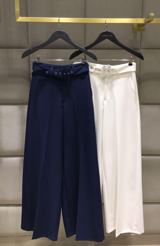 Calça Nivea Alfaiataria Crepe Pantalona Cinto Cores Off e Marinho 6% Elastano