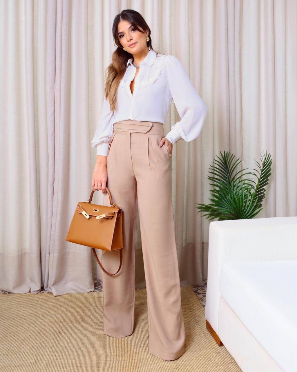 Calça Paloma Pantalona Viscose Twill Pregas ( Forro) Cintura Alta Detalhe Cós Transpasse