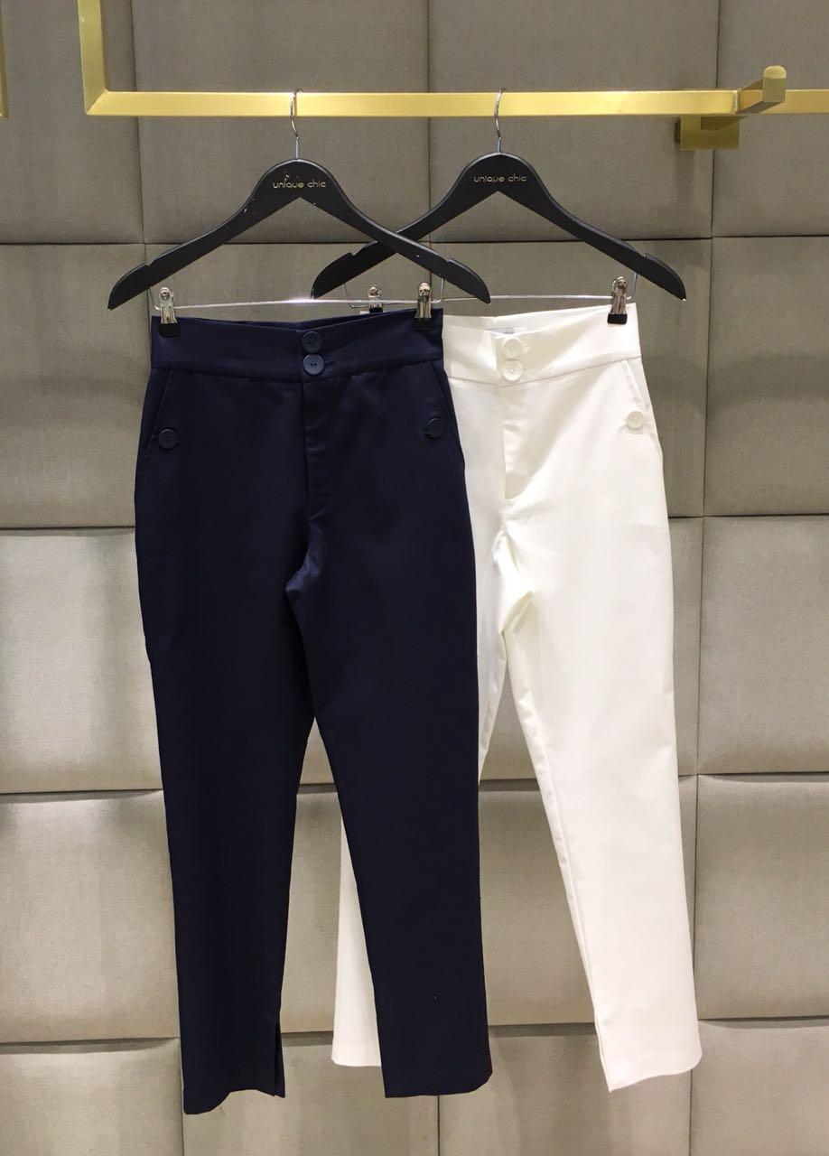 Calça Sabrina  Alfaiataria  Bolsos Botoes 97% algodão 3% elastano Marinho e Off