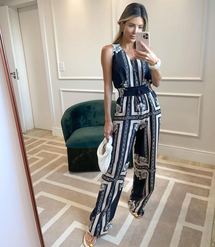 Calça Unique Crepe Cristina Lenço Pantalona Detalhe Elastico Cintura Amarração