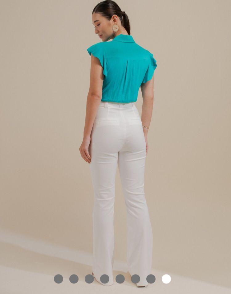 Calça Unique Sarja Poliamida Detalhe Mini Flare + Cinto Forrado