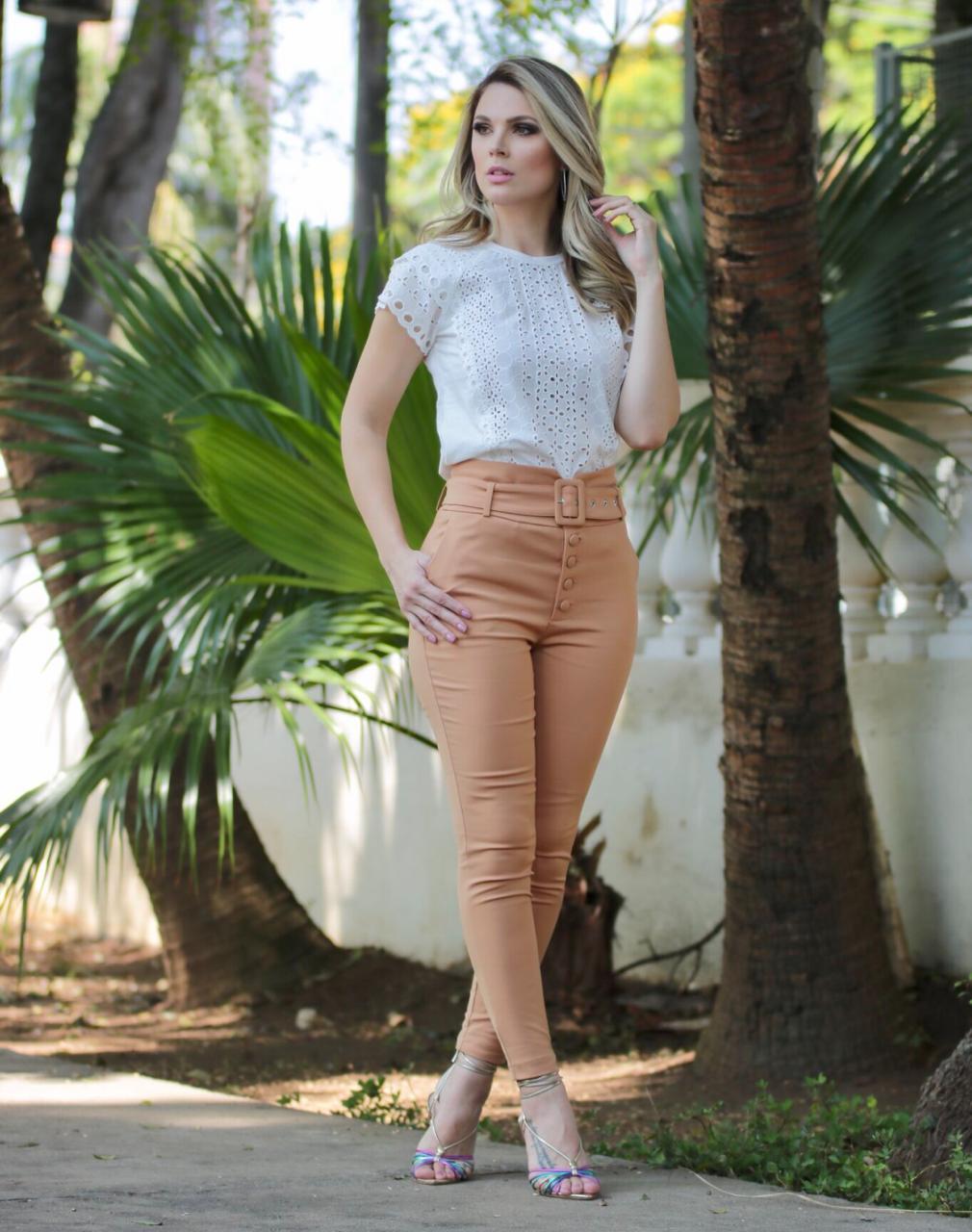 Calça Unique Skinny Alfaiataria Botões  4% Elastano + Cinto