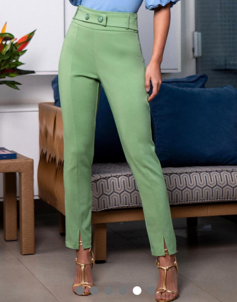 Calça Unique Skinny Botões Frontais 3% Elastano