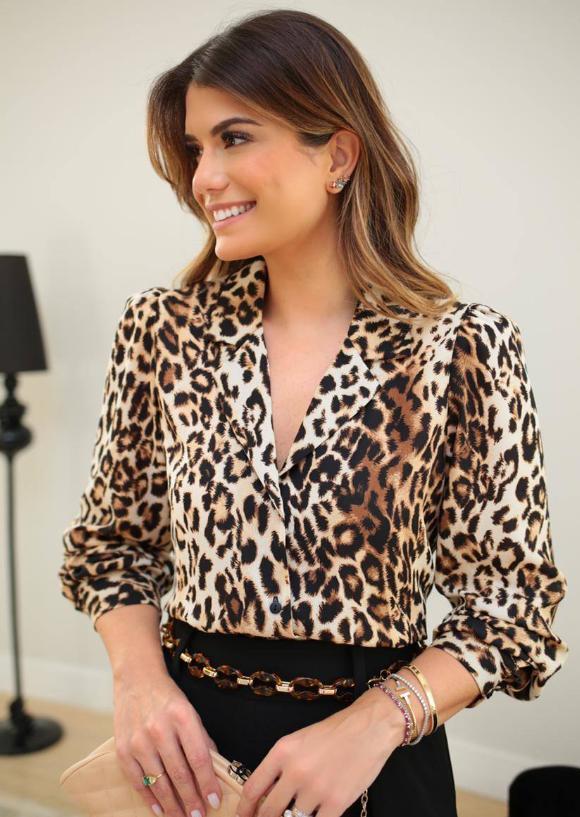 Camisa Ariane Crepe Animal Print Detalhe Botões