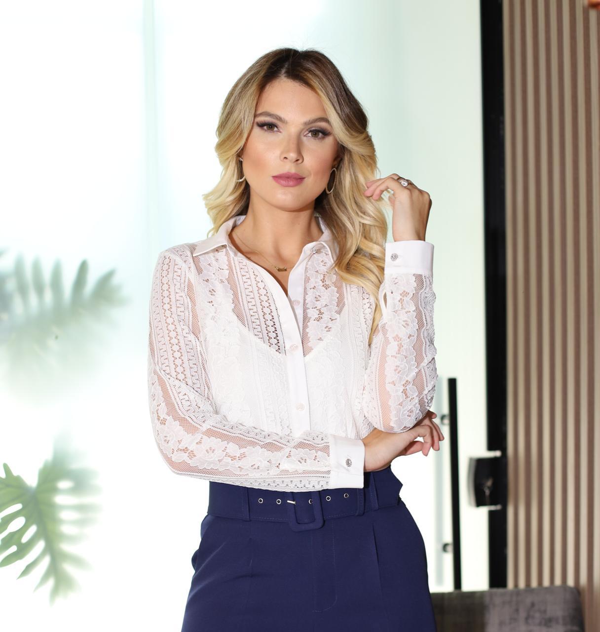 Camisa Belinda Renda Gola e Punho em Tricoline  +Regata