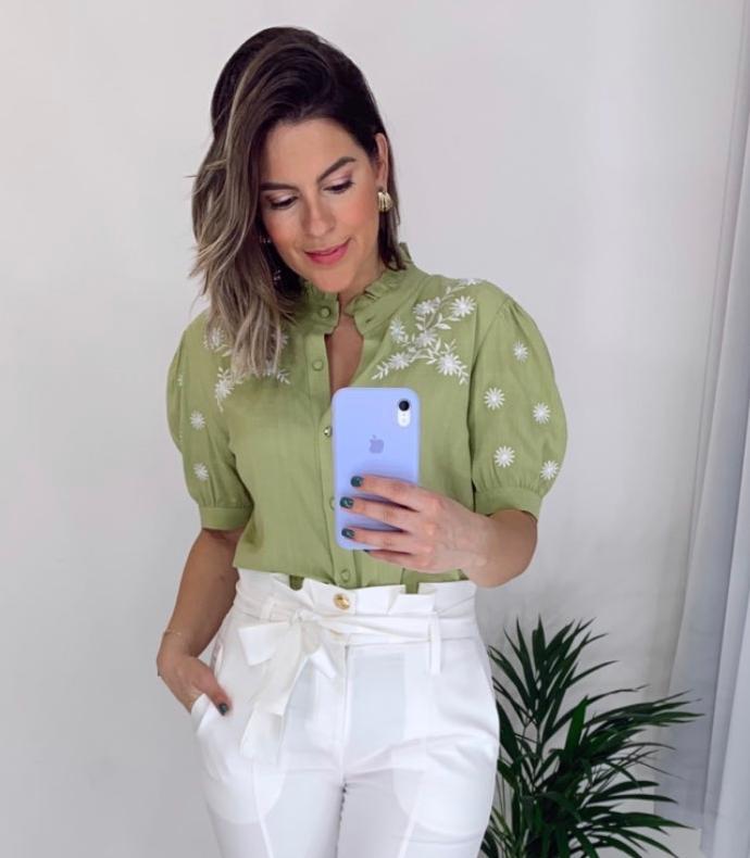 Camisa Camila Bordado Floral