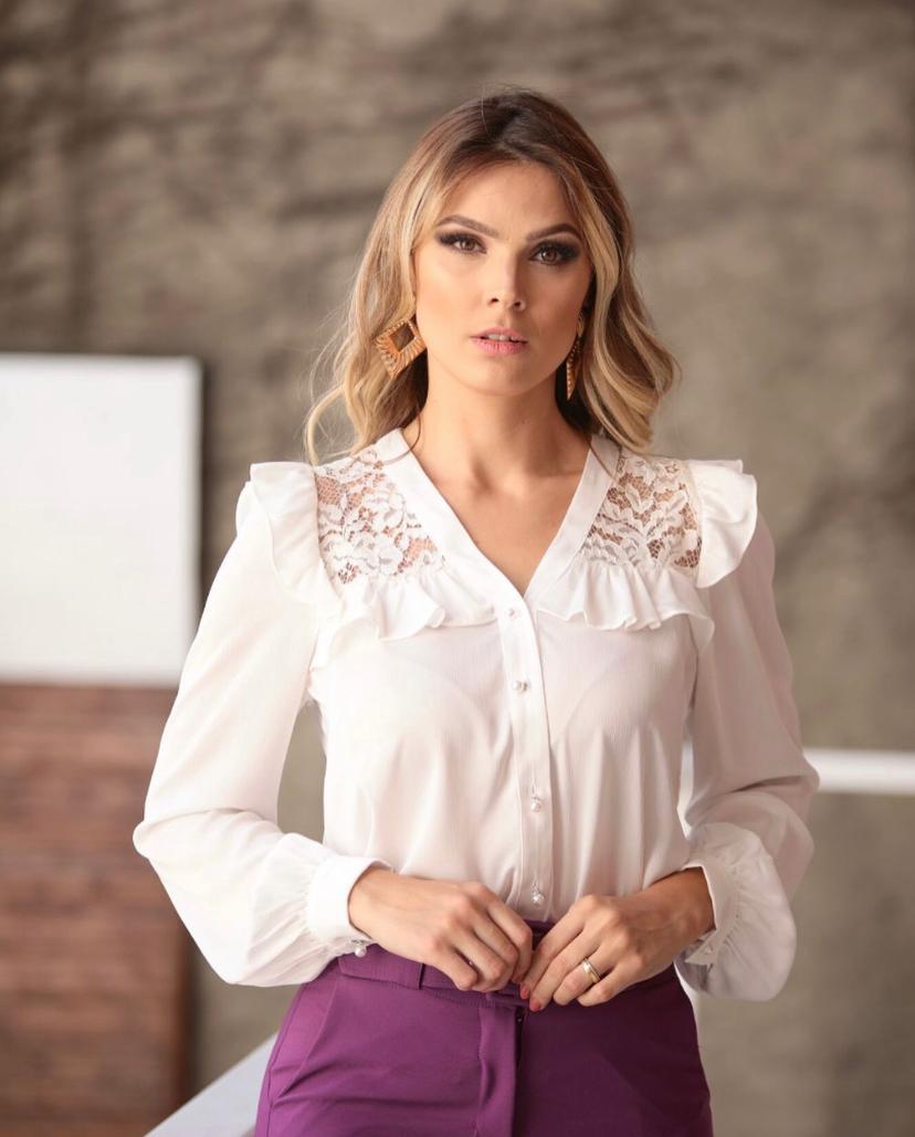 Camisa Caroline Crepe e renda Botões Perolados