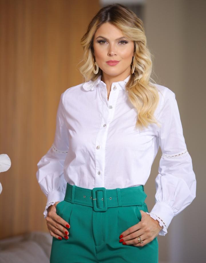 Camisa Catarina Tricoline Detalhe Renda Mix Botões
