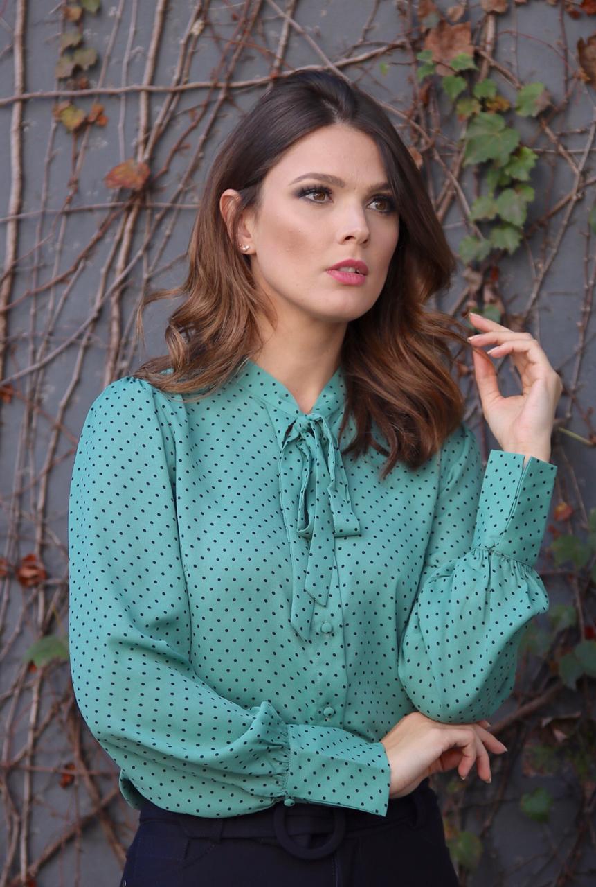Camisa Cheroy Double Chiffon com Amarração na Gola cores :verde ,coral