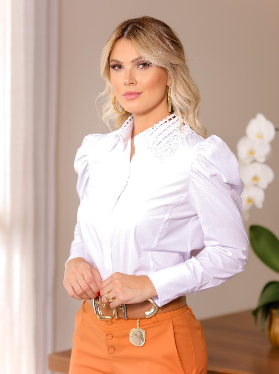 Camisa Claudia  Tricoline  Gola em Renda