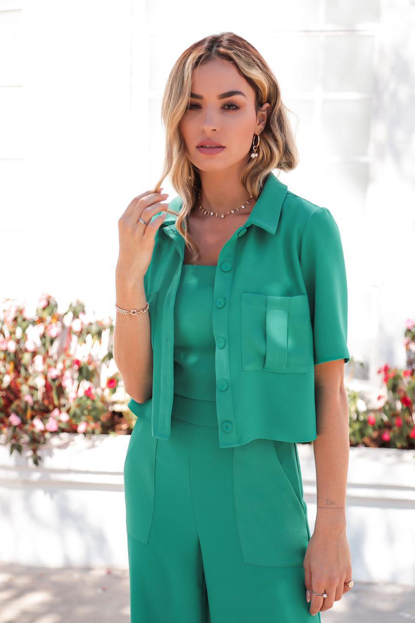 Camisa Cropped Satin Helena Crepe 3% Elastano Detalhe Botões Forrados