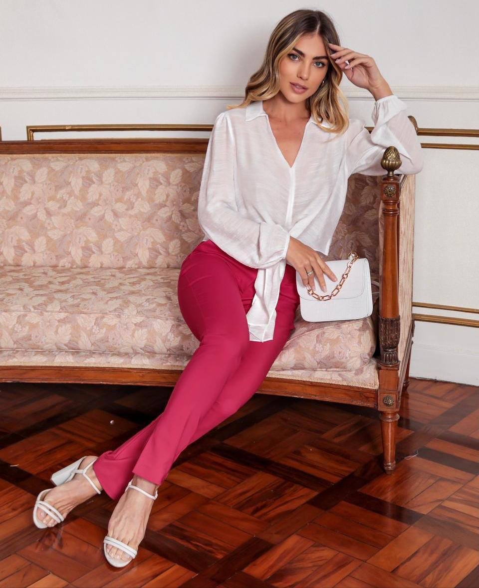 Camisa Fernanda Cropped Viscocrepe Trabalhada Manga Bufante Elástico Punho Detalhe Faixa amarração Cintura