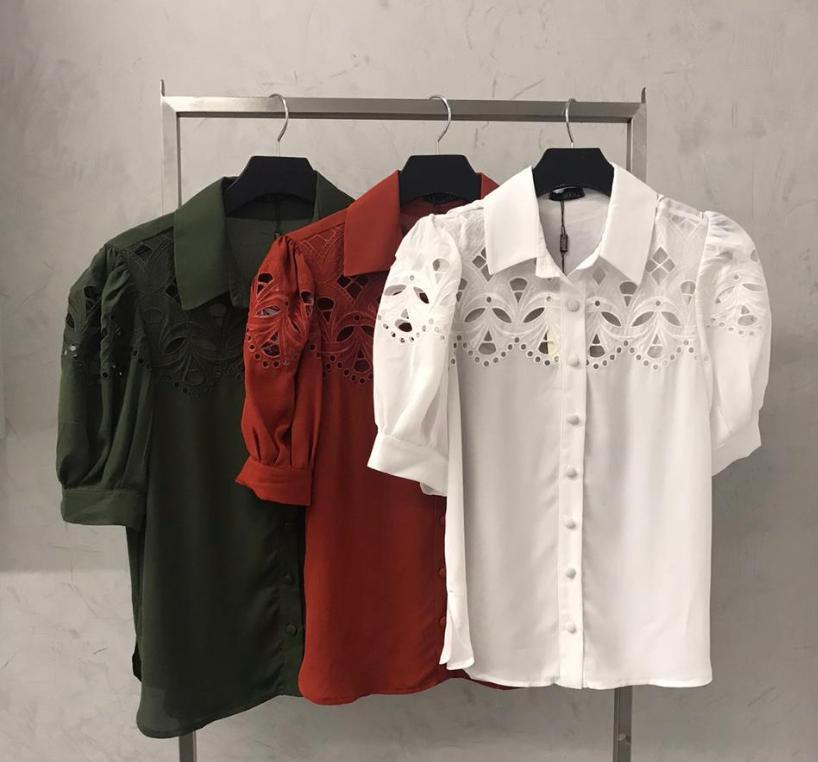 Camisa La Chocolê  Crepe Frente e Mangas Bordada