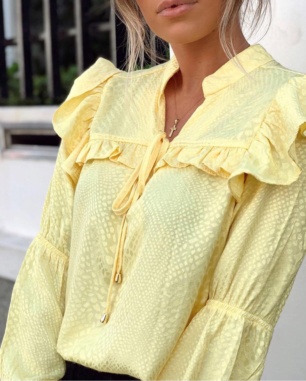Camisa Laura Viscose Jacquard Com Babados
