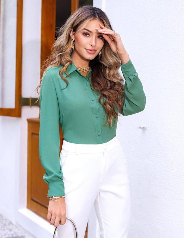 Camisa Luciana Crepe Liso Detalhe Botões Forrados