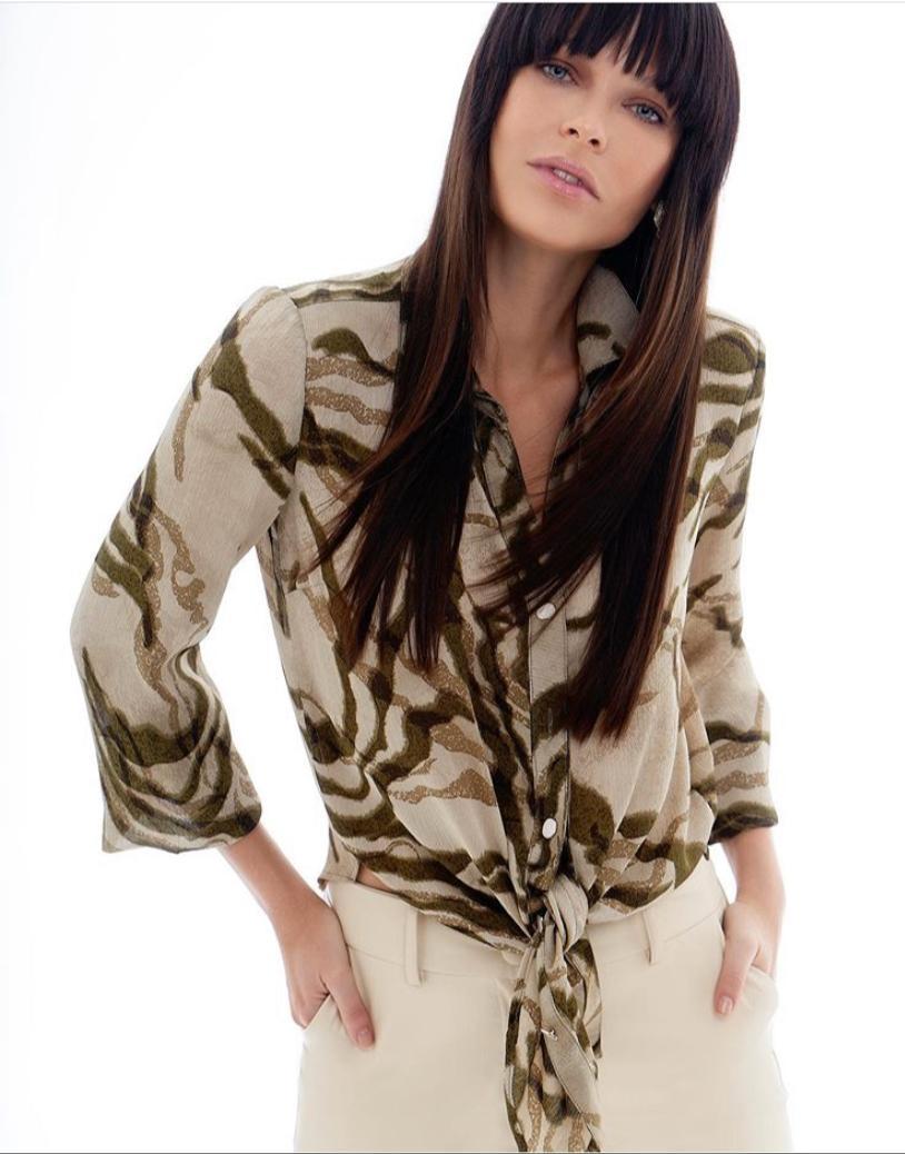 Camisa Micheli Militar Animal Print Toque de Seda