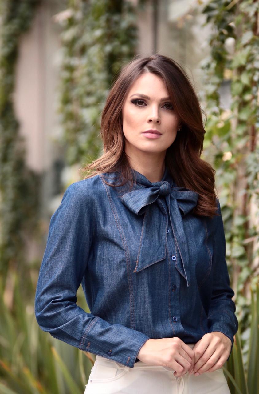 Camisa Morina Jeans com laço