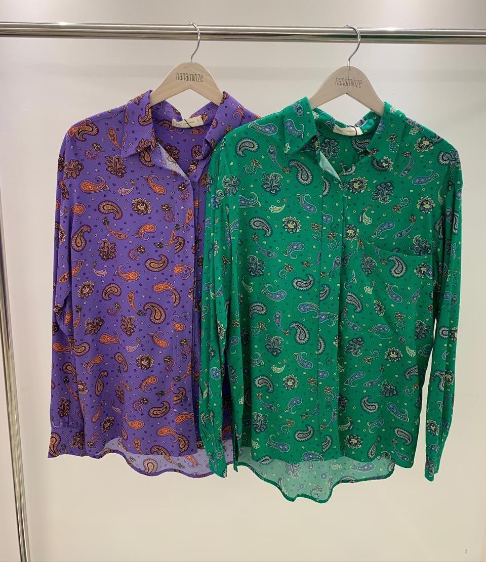Camisa Paisley Viscose Estampada Detalhe Bolso Frontal Colarinho Francês