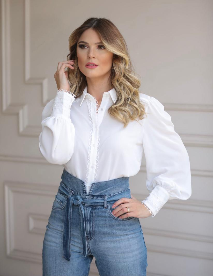 Camisa Rebeca Crepe Detalhe Guipir