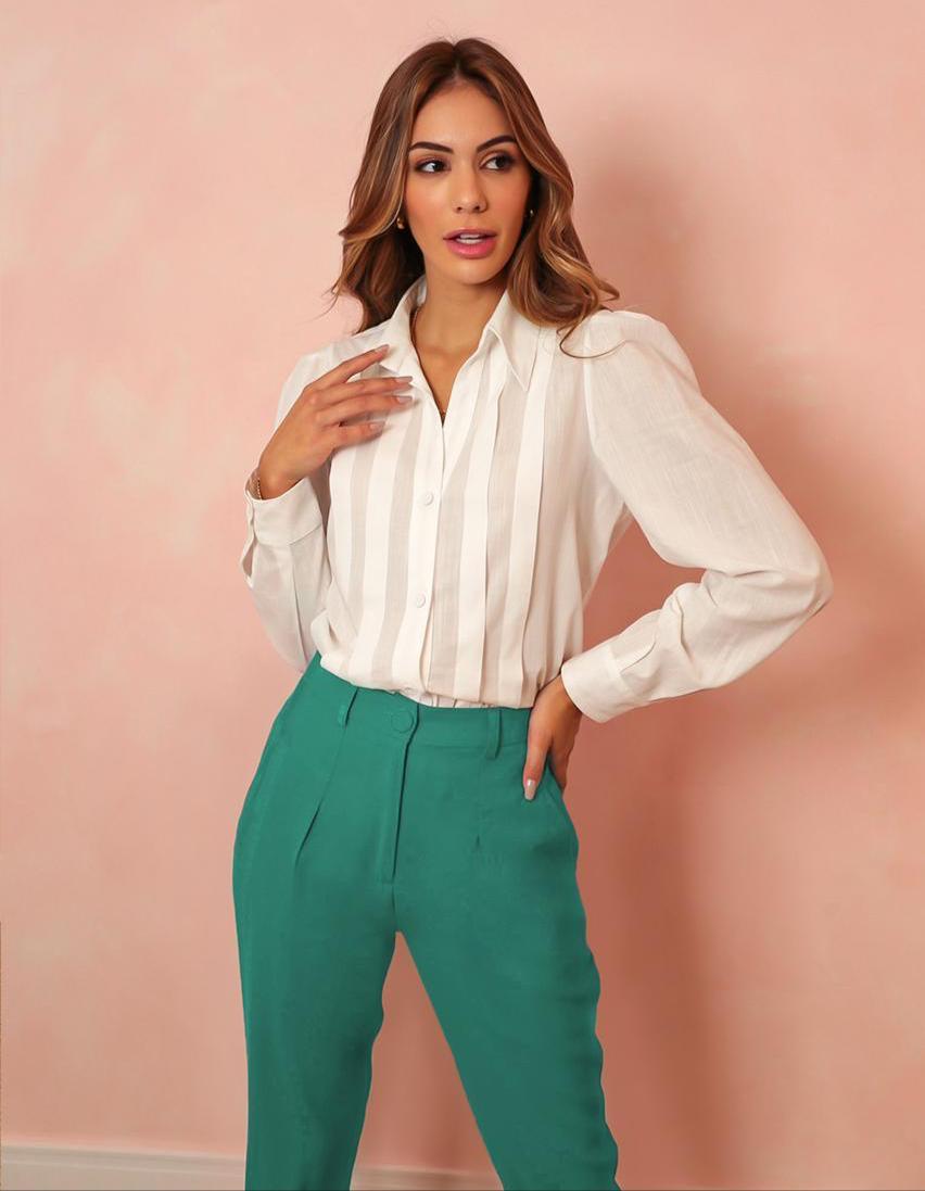 Camisa Veronica Manga Bufante Detalhe Pregas Verticais Botões Perolados 58% Algodão 42% Viscose