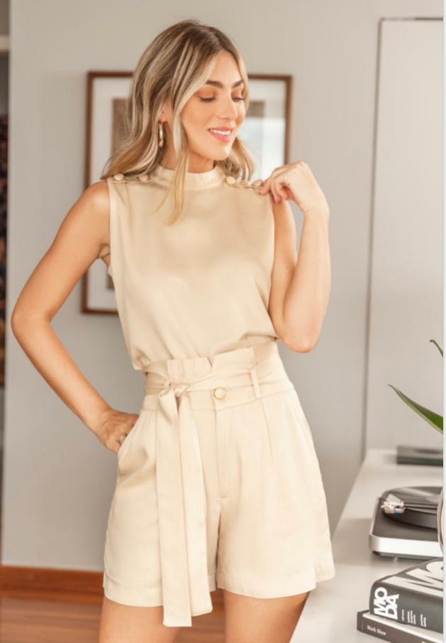Conjunto Ariane  Viscose detalhe botão Forrado C/ Cinto (Shorts e Blusa )