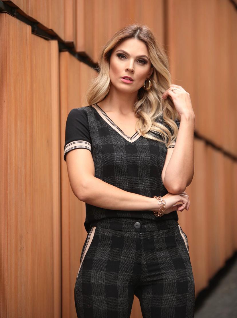 Conjunto Nuxx Crepe Detalhe em tricot  Blusa e Calça Preto