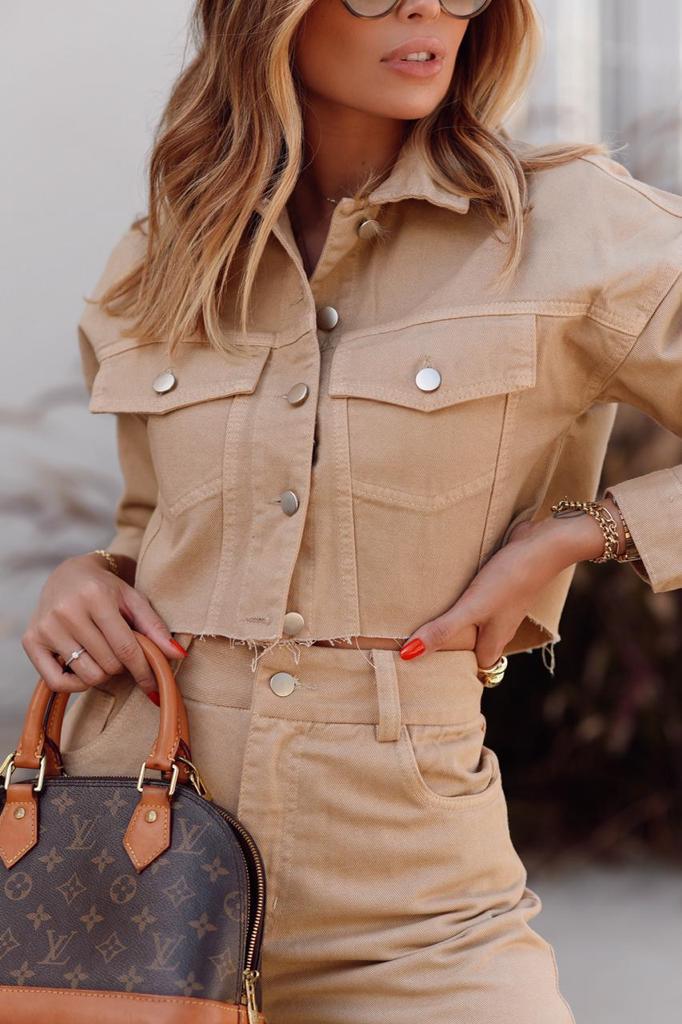 Jaqueta Camila True Jeans Detalhe Bolsos Botões