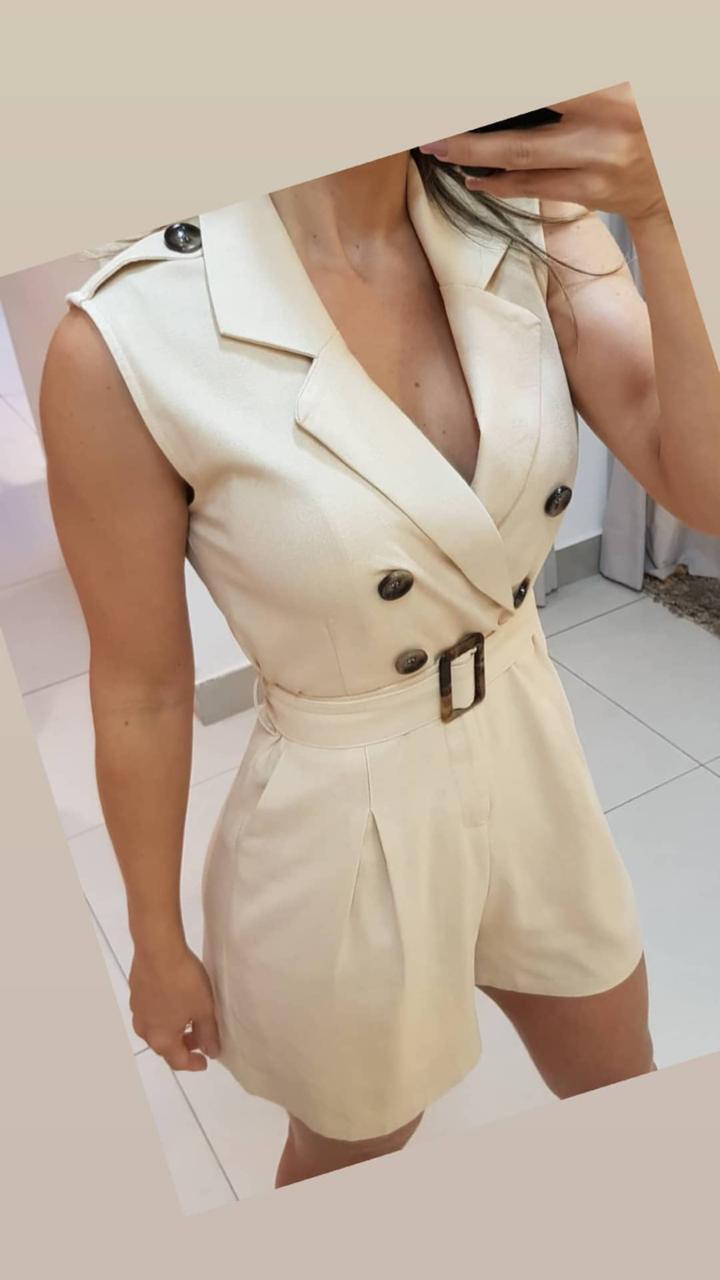 Macaquinho Claudia Linho Detalhe Botões