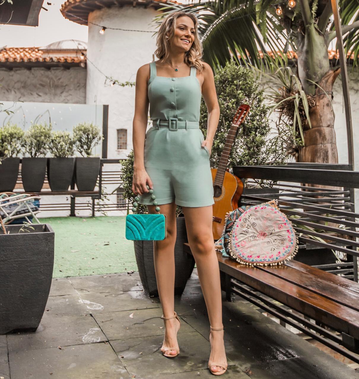 Macaquinho Flora Linho Botões Forrados  Verde  + Cinto   67% Linho  33% Viscose