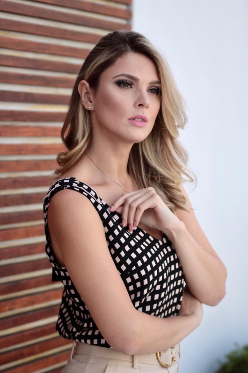 Regata Alexandra Crepe