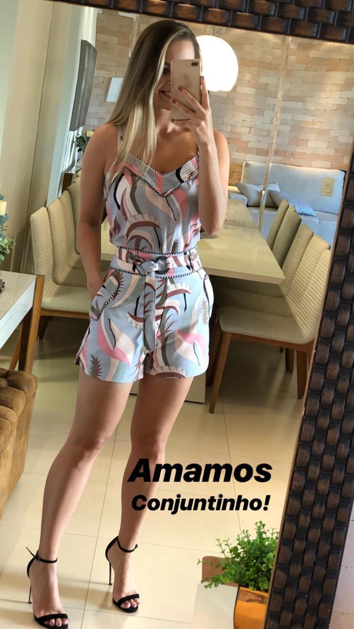 Shorts Alana Alfaiataria  Crepe Print + Cinto