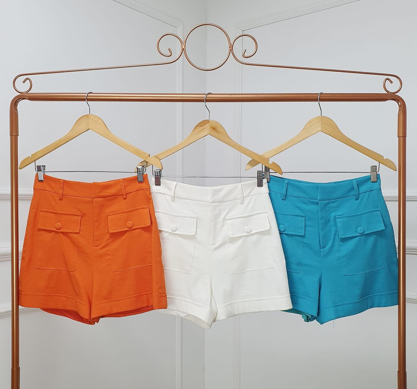 Shorts Elisa Linho Detalhe Bolsos Frontais