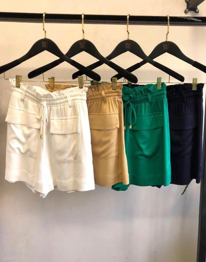 Shorts Madri Viscose Bolso frente