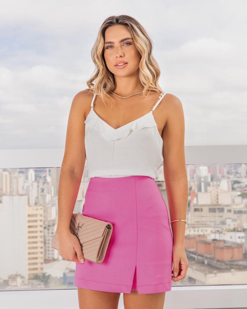 Shorts Saia Ingrid Alfaiataria (Forro)  Detalhe Mini Fenda Ziper Costas 4 % Elastano