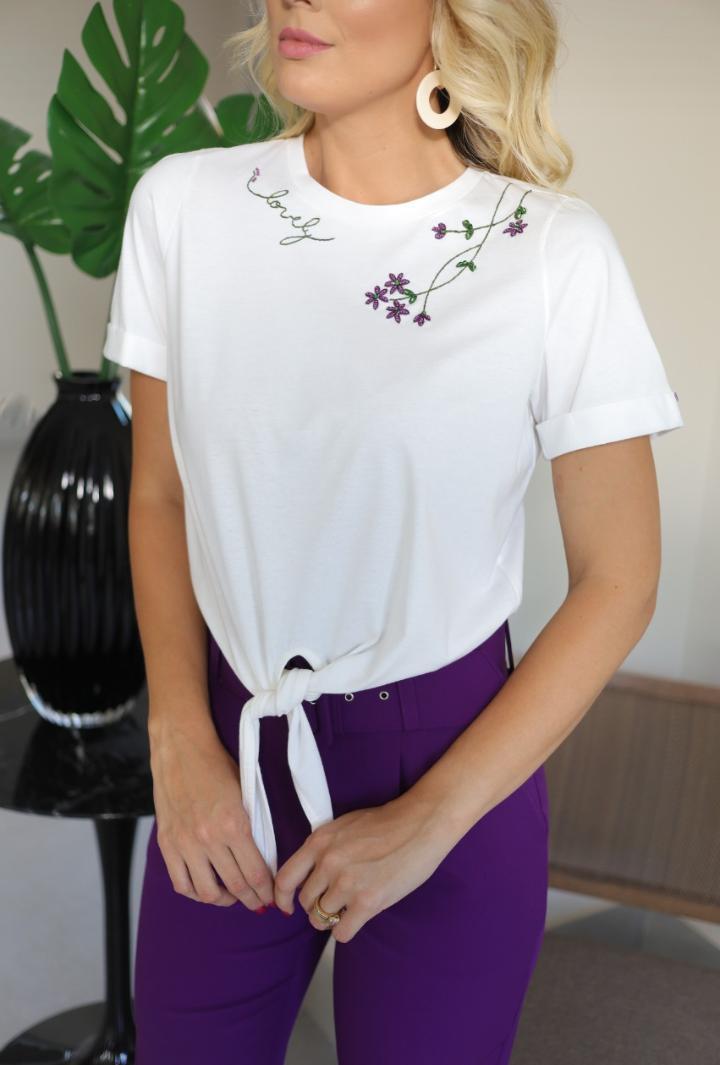 Blusa Marilia 100% Algodão Detalhe Amarração Bordada