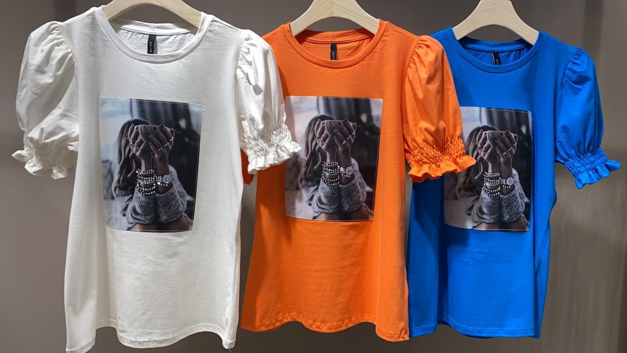 T-Shirt Alice Com aplicação Woman