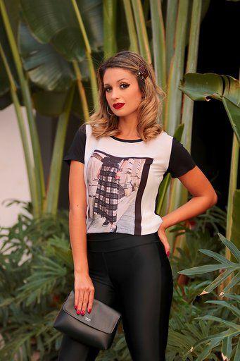 T-shirt Bruna Estampa Saia Xadrez Viscolycra