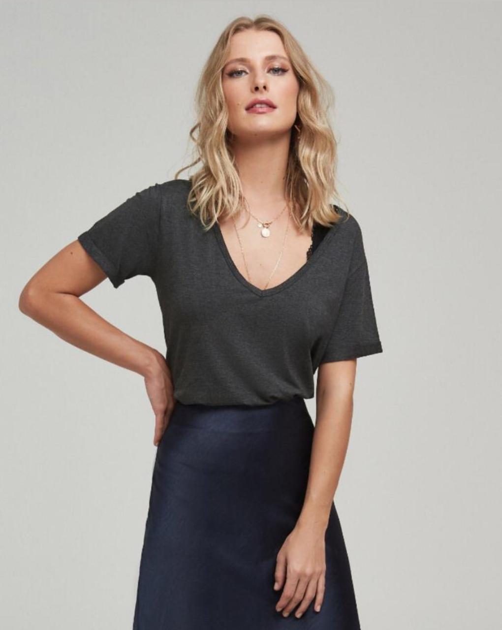 T-shirt  Basic (Não Acompanha Top Renda)