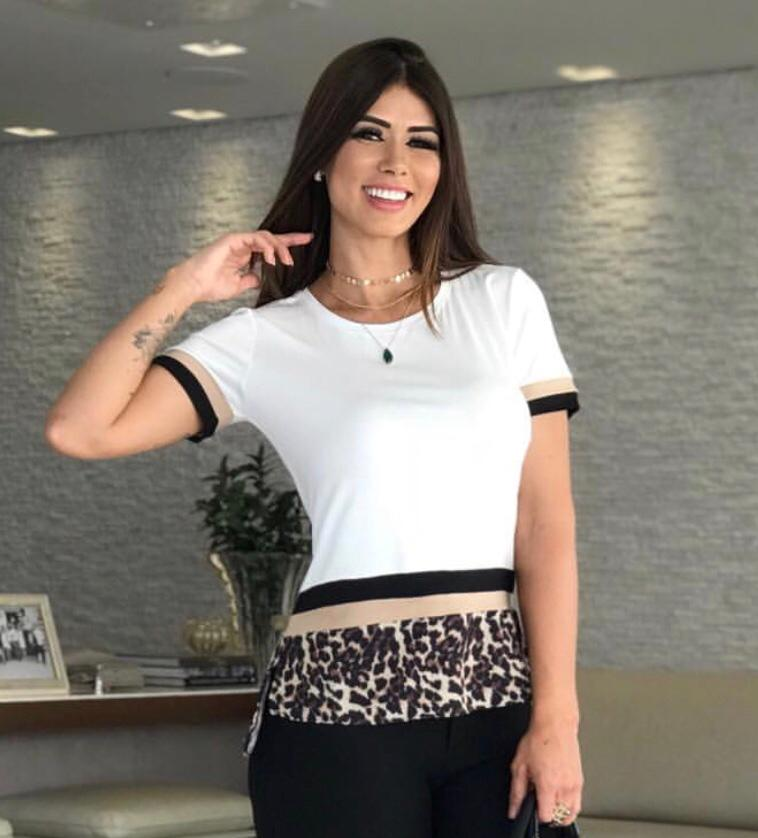 T-SHIRT EVELYN MALHA COM CREPE ANIMAL PRINT