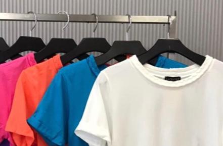 T-shirt LA Chocole  Malha Detalhe Gola