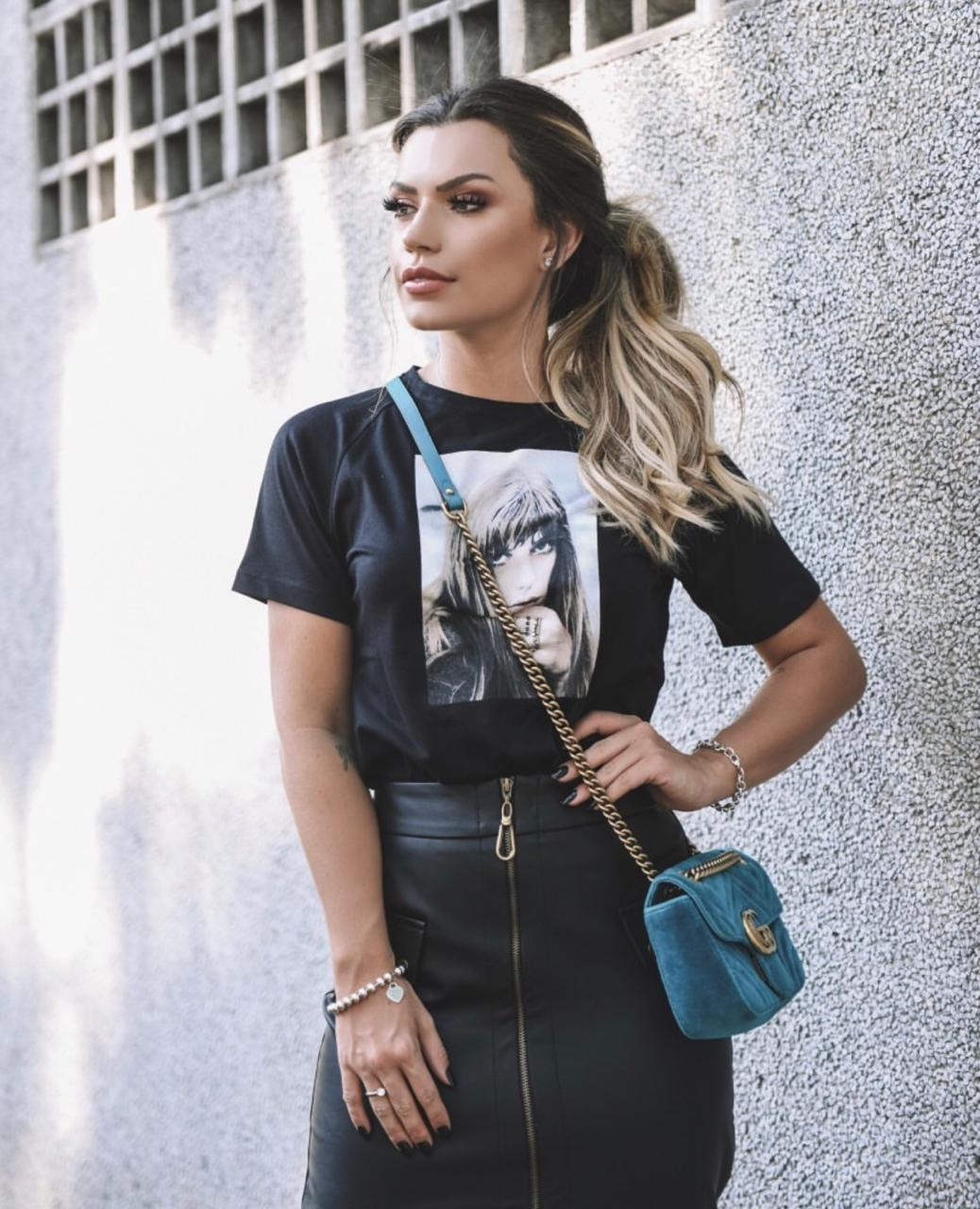 T-shirt Pinko Menina Detalhe  Bordado Anel
