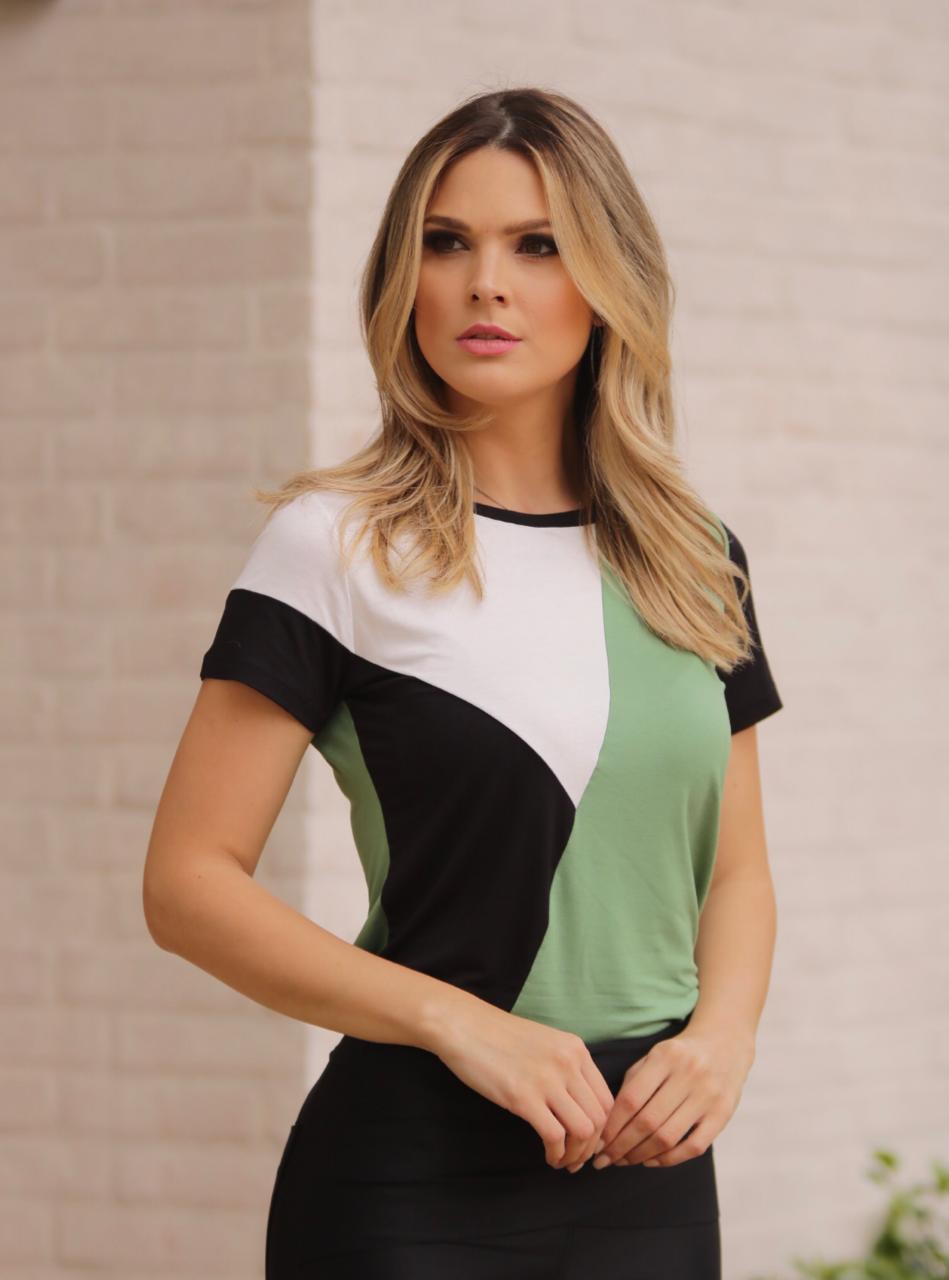 T-Shirt  Laura  Viscolycra com Recortes