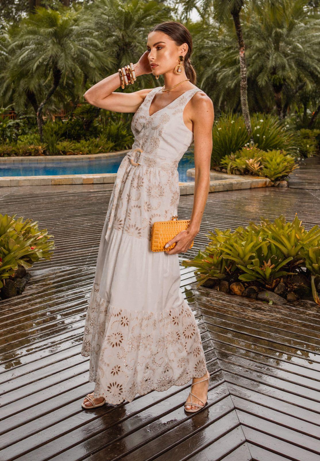 Vestido Aiko Bordado Detalhe Camadas + Cinto Faixa C/ Fivela