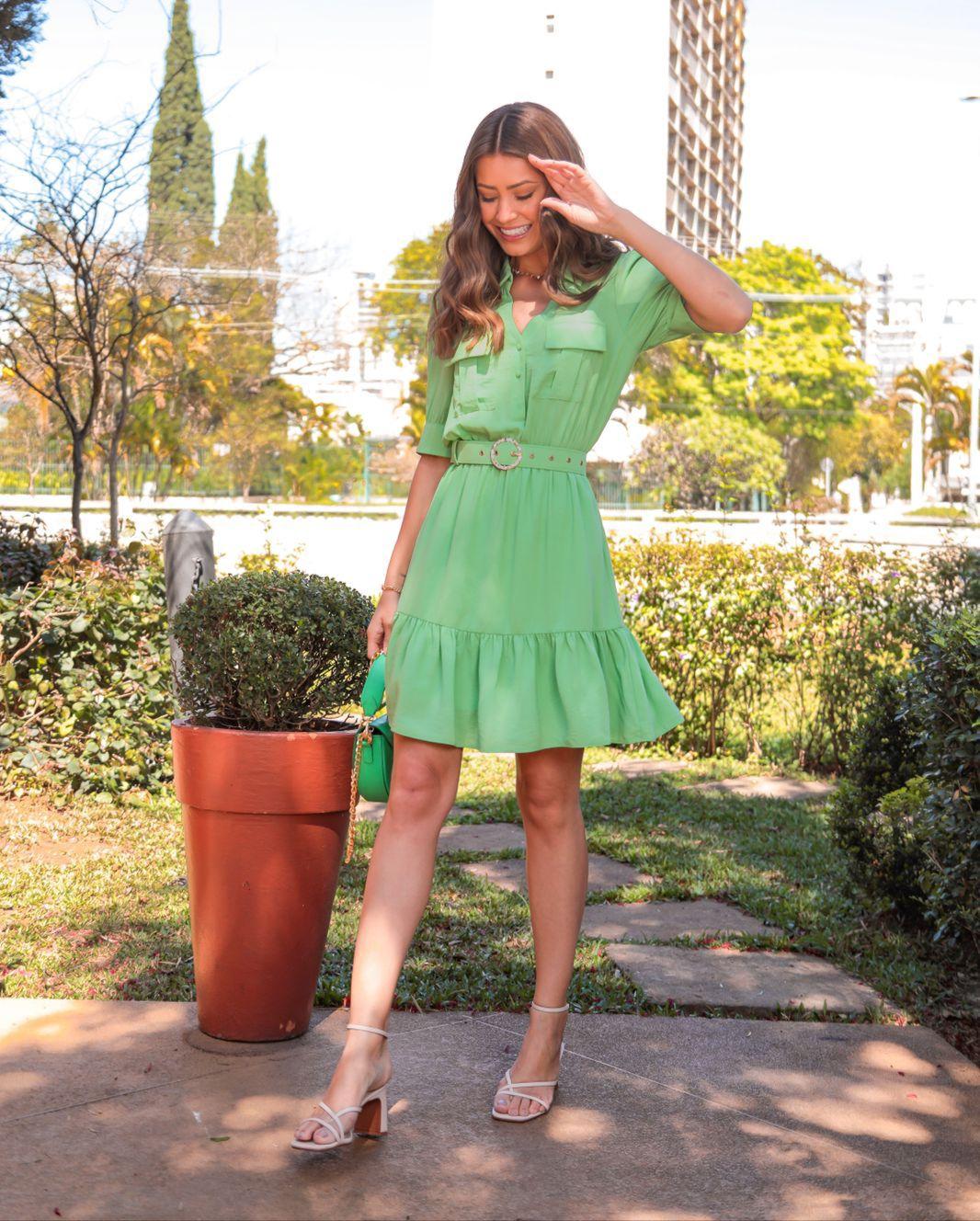 Vestido Alice Crepe linen Chemise (Forro) Detalhe Golinha  Detalhe Bolsos Elastico Cintura Recortes Babados + Cinto Fivela