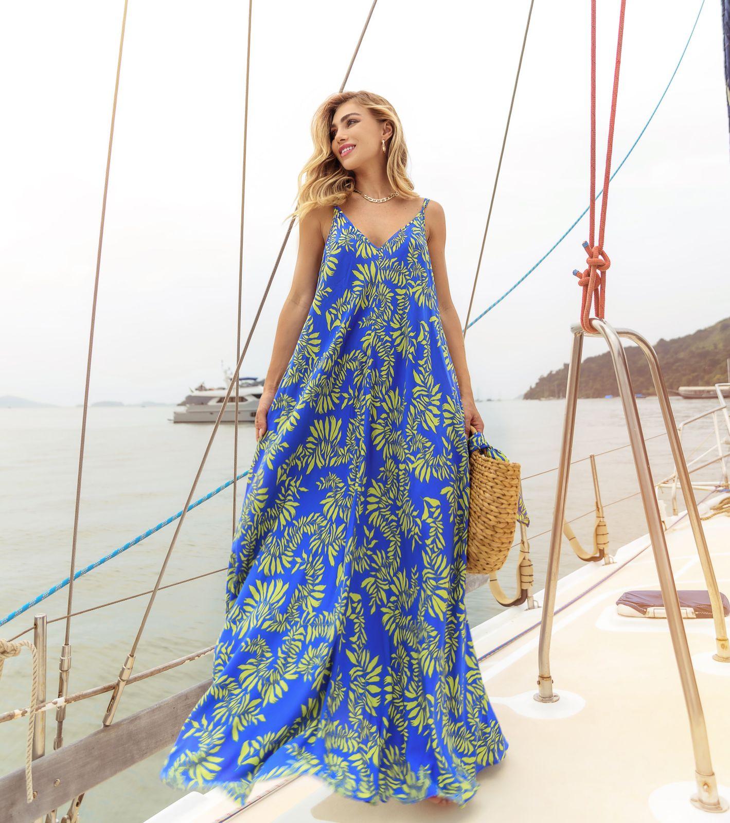 Vestido Coconut Viscose Estampa Floral Detalhe Alças Reguláveis ( Acompanha Shorts Forro) + Faixa Lenço