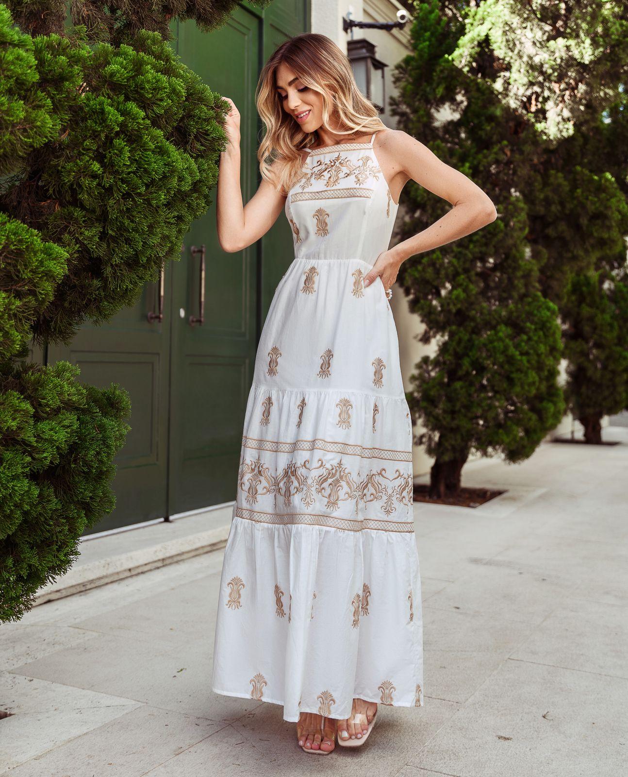Vestido Daniela Bordado Arabesco Grego  Detalhe Decote Costas 80% Algodão (Forro)