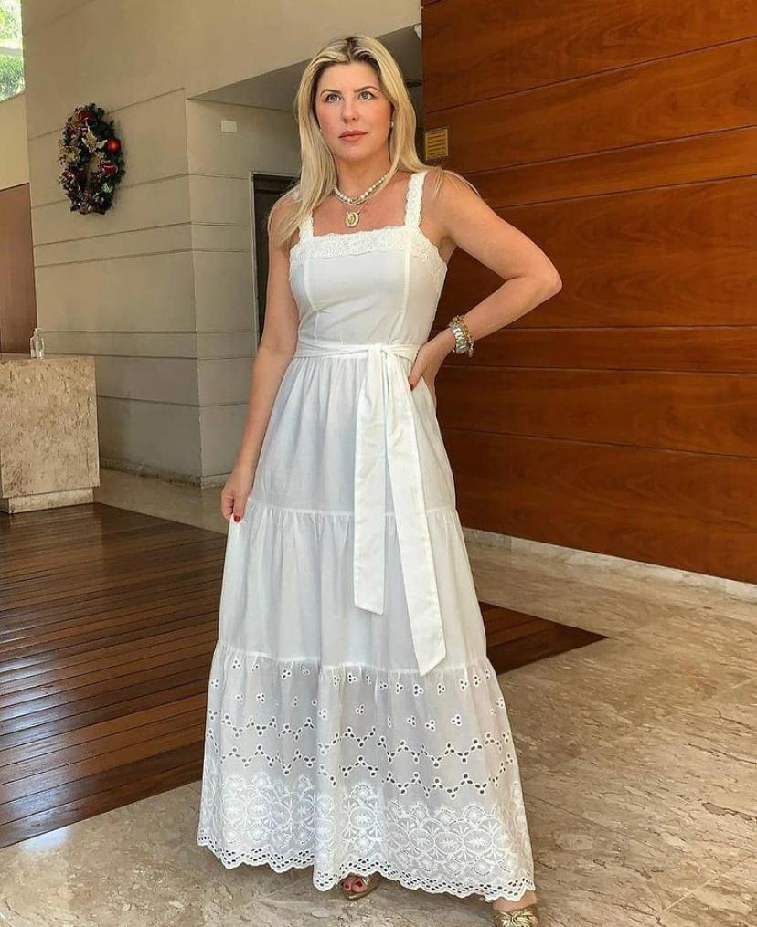 Vestido Janaina Midi Com Detalhe Em Renda E Faixa