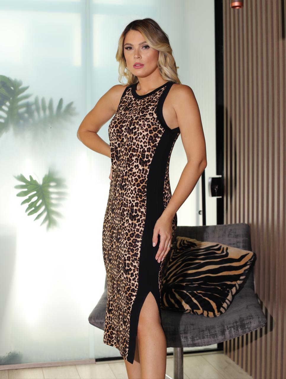 Vestido Jo Midi Moletinho 4% Elastano Animal Print Detalhe Faixas Preta Lateral Fenda +Mascara e Xuxinha P/Cabelo